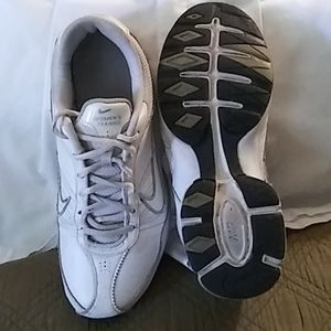 Nike Air max exceed cross trainer's